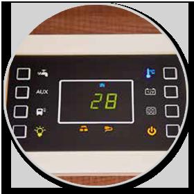 <strong>Touchscreen-Panel: </strong><br>Auch bei der Bedienung der Bordtechnik geht alles einfach per Tastendruck.